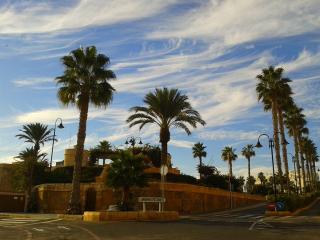 Castillo de Santa Ana entrada al puerto muy cerca de la vivienda