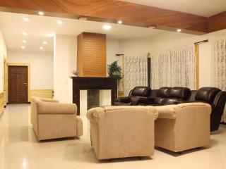 Mansarovar Holiday Home 1, Ooty