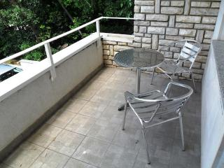Relaxi 1 for 3 with WiFi and terrace, Dramalj