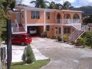 Beautiful Caribbean Apartment, Roseau