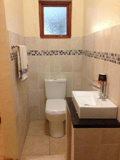 En-suite Bathroom to main bedroom