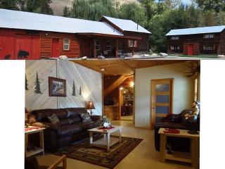 Salmon River Cabin Rental Sleeps 8 - NEW RENTAL, North Fork