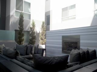 Chic 2-Bed Apt in Hip West LA, Los Ángeles