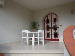 Trilocale in villa Sacri, Syracuse