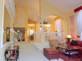 1 or 2 PRIVATE BEDROOMS/BATHS IN A B&B HOME WELNGT, Royal Palm Beach