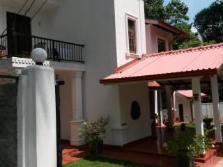 Isuru Hansi Villa