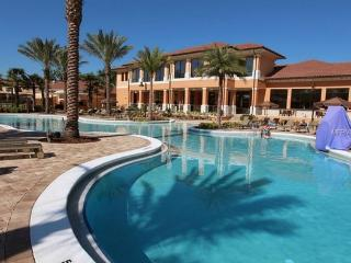 Regal Oaks Resort - Beautiful 4 BR/4BT,1900Sq.3 Mi to Disney,New Pool/Slide,WiFi