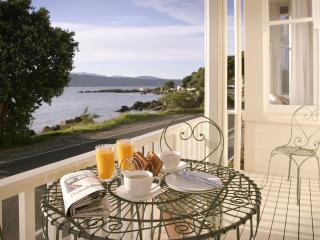 The Villa Karaka Bay, Wellington