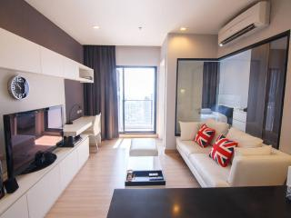 Riverside New 1BR,Sky Pool/Bowling, Bangkok