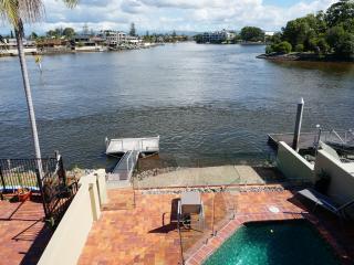 Riverfront Villa Surfers Paradise