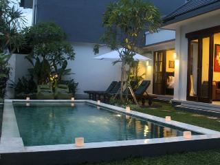 o2, Luxury 2 Bedroom  Villa, Extra Spacious, Seminyak