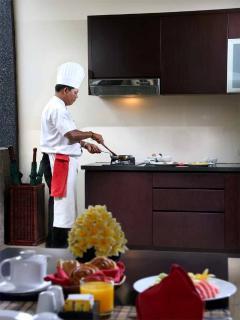 Breakfast cooking in villa