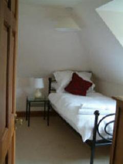 2nd Single bedroom
