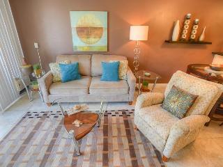 Beautifully Renovated 2-Bedroom at Pacific Shores