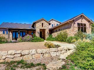 4BR/4BA New Luxury Home with Lake Views, Lake Travis, Sleeps 10, Leander