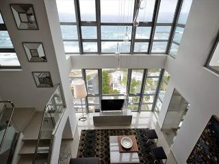 WE HAVE POWER! Spectacular 3bed/ 3bath Penthouse in the heart of San Juan!