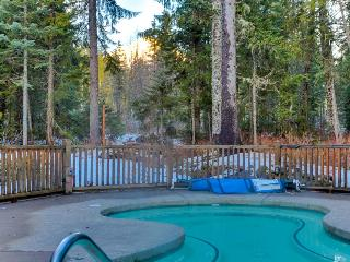 Lakefront w/ community hot tub, pool, spa, close to slopes!