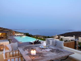 Diles & Rinies 3 Bedr. Villa in Tinos