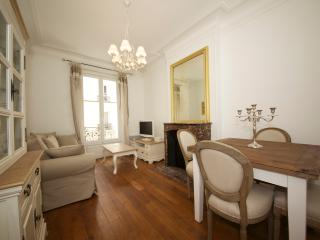 1-bedroom apartment - Avenue Raymond Poincaré 3092, Paris