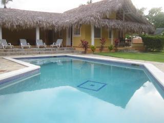 Reina Palm Tree House-Villa Las Palmas, Las Galeras