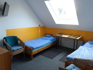 double-room.Wi-Fi.kitchen.pricemight bedifferent, Laatzen
