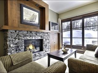 Lovely Forest Views - Modern Design & Tasteful Furnishings (6196), Mont Tremblant