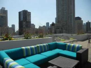 River North: Two decks! City Views!, Chicago