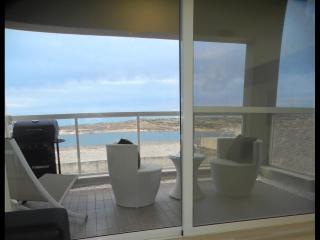 Sea View Luxury Apartment 3 mins away from Beach, Marsaskala