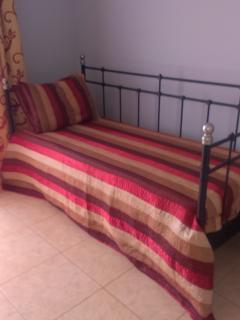sofa cama usado como cama individual