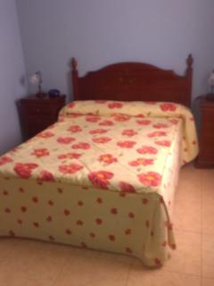 cama doble habitacion principal.