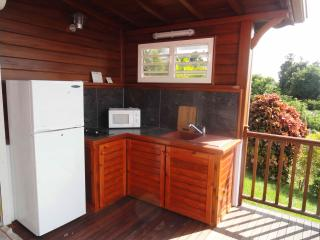large studio 40 m2 apartment with large terrace overlooking the c, Gosier