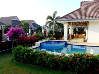 3 bed / 2 bath pool villa in quiet resort, Hua Hin