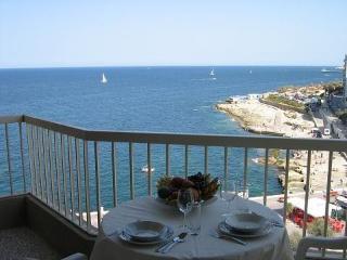Small penthouse Sliema 50 meters to sea promenade!