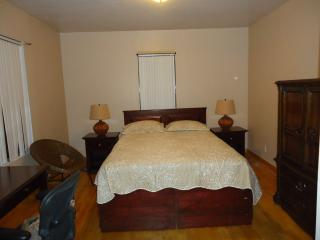 Cozy 2 Bedroom Private Apartment, Bronx