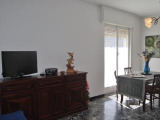 CASA EMY : attico con box privato,WiFi e Skytv, Rapallo
