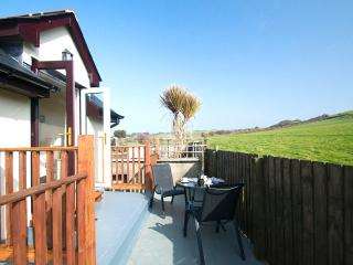 1 Crescent Yard Cottages- superb holiday cottage right in Mortehoe village