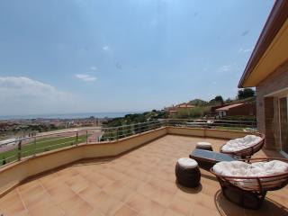 New villa & big private swimming pool