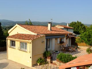 "Bed & Breakfast ""Les Cigales"" Chambre d'hotes"