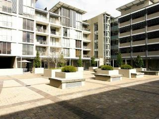 Quadrant Apartments (1B/R) Bachelor, Cape Town