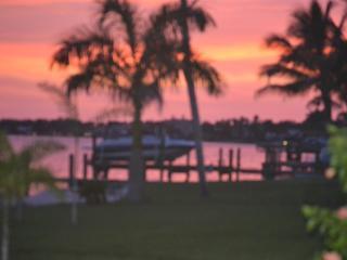 Dolphin View Villa, Cape Coral
