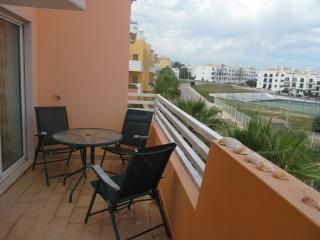 Casa Musical top floor apartment with free wi fi, Cabanas