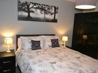 2 bedroom apartment, sleeps 6, kitchen, living area and SKY TV & WI-FI.