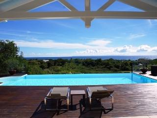 Location Villa CASA BLANCA a St Francois pour 6 personnes avec piscine & vue mer