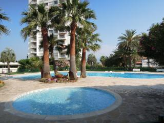 Roi Soleil, Antibes  Sunny, Panoramic Two bed Apt