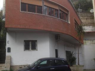 Cozy Flat and Free Parking