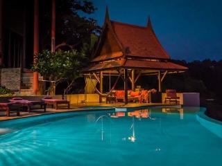 pool sala by night