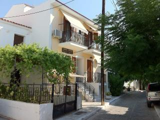 Sunshine Pension, Pythagorion