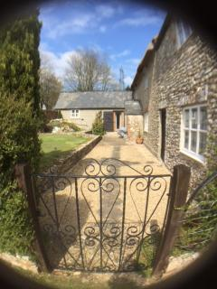 Garden entrance to Mwendafye cottage.
