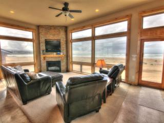 Oceanfront Luxury Home - Sandy Beach!, Waldport
