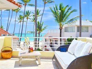 Beach House Pina Colada 1bdr Ocean View + WiFi, Bavaro